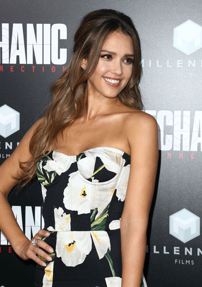 jessica-alba-at-mechanic-resurrection-premiere-in-hollywood-08-22-2016_17